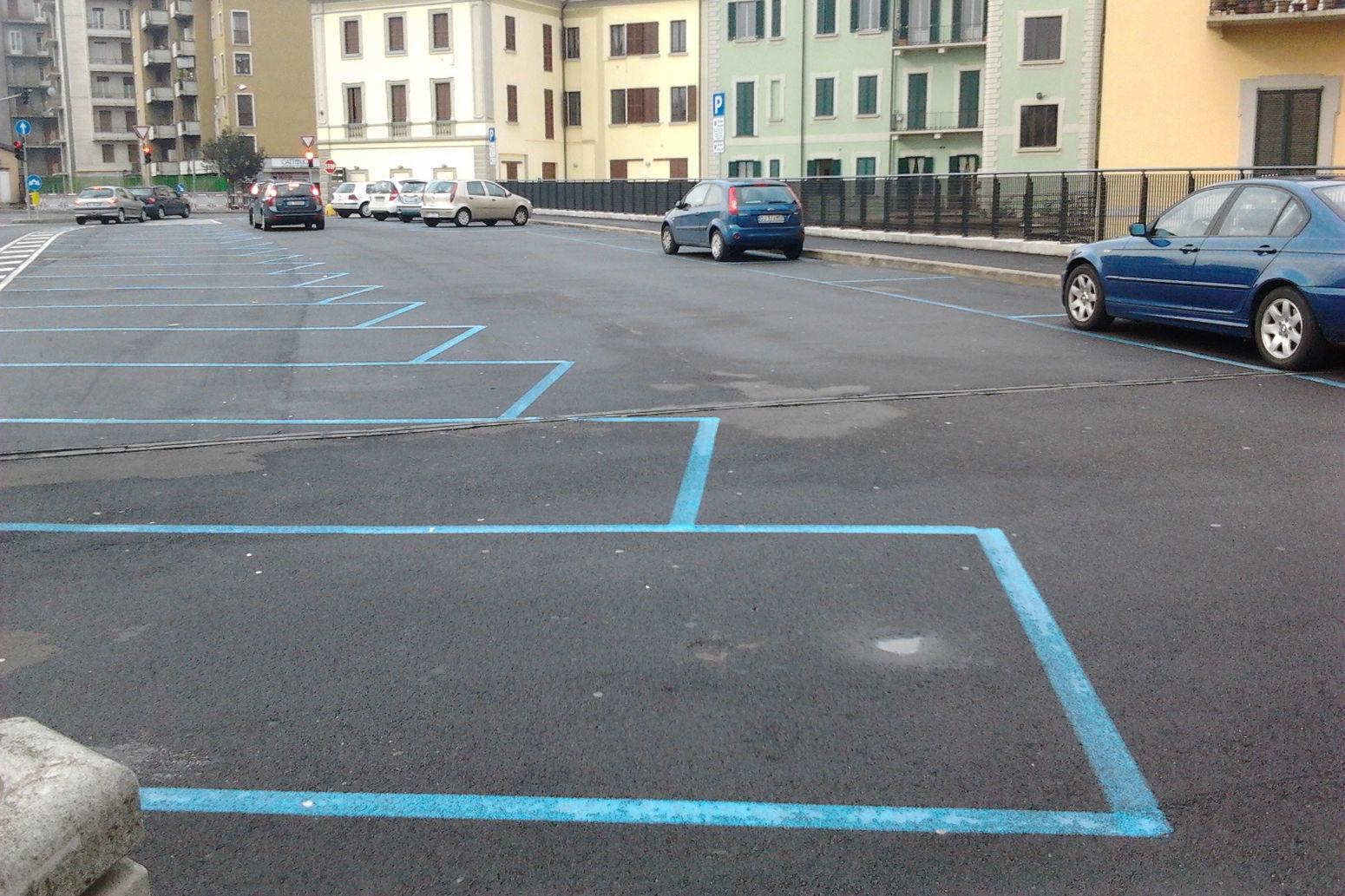 Strisce Blu – Se il parchimetro non ha il bancomat il parcheggio è gratis!